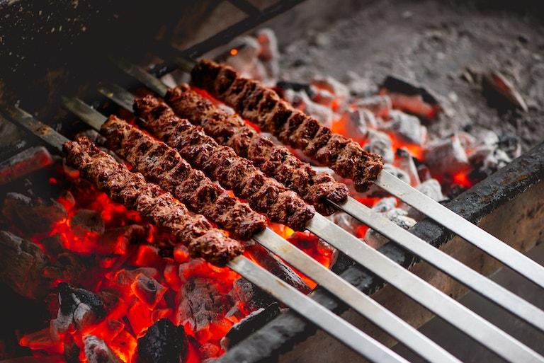 Probeer dit recept voor Adana Kebab van Miras Food